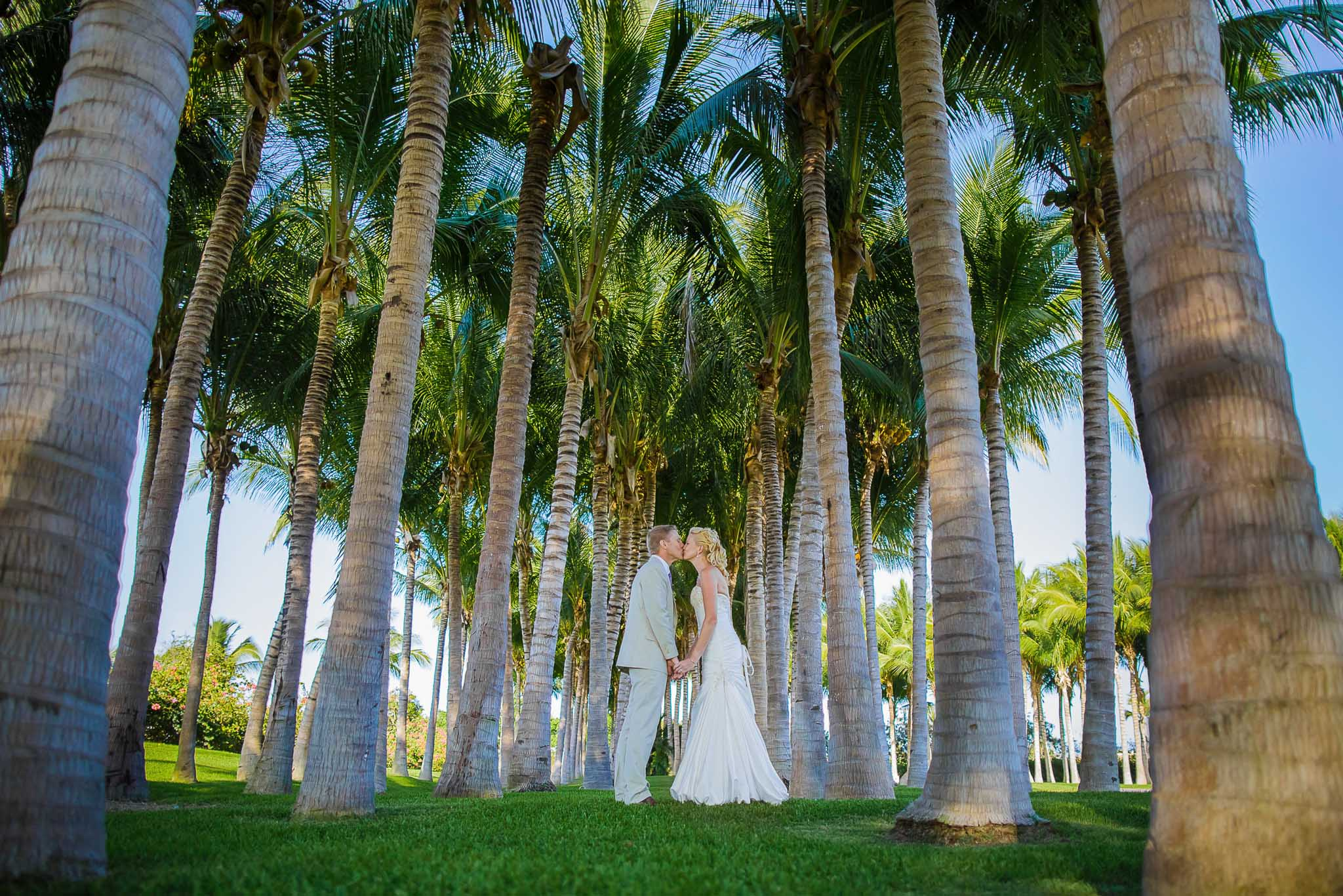 Destination wedding photo in Mexico
