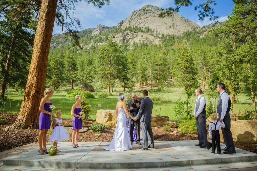 Ceremony at Della Terra Mountain Chateau