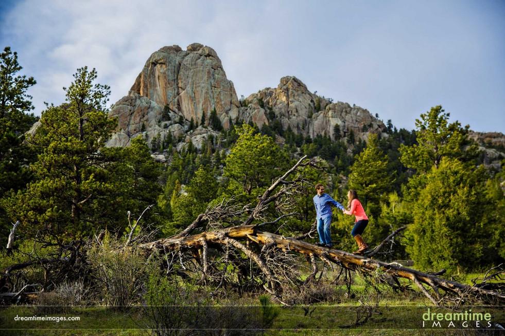 Engagement photo with Lumpy Ridge behind