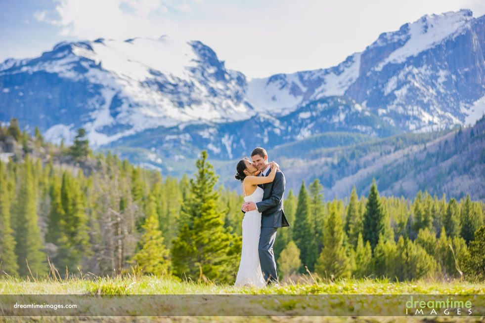 Wedding photo on bear lake road, rmnp