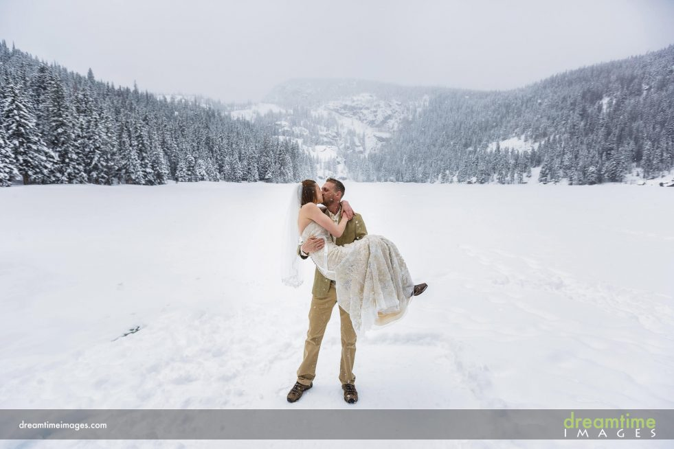Winter wedding at RMNP at Bear Lake